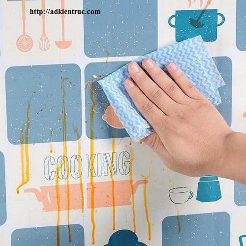 Giấy dán tường bếp chống dầu mỡ