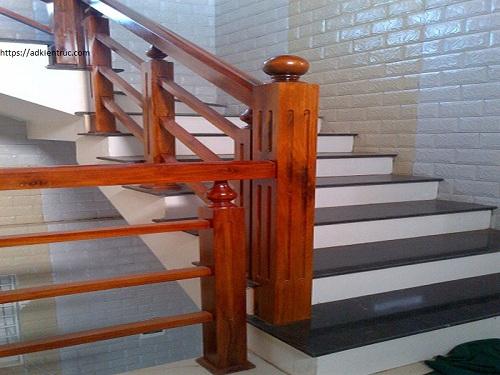 1/ Mẫu cầu thang gỗ vuông