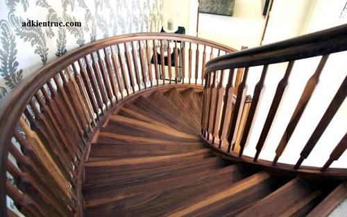 Các kiểu cầu thang gỗ rìa