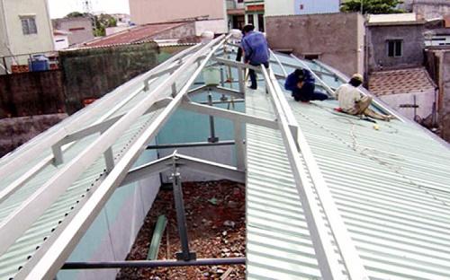 Độ dốc mái tôn nhà ống
