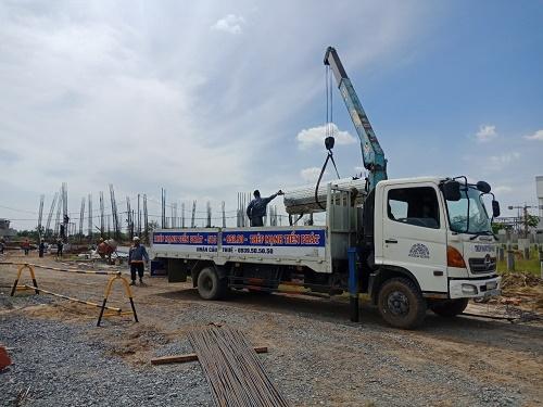 Hỗ trợ vận chuyển tôn thép xây dựng