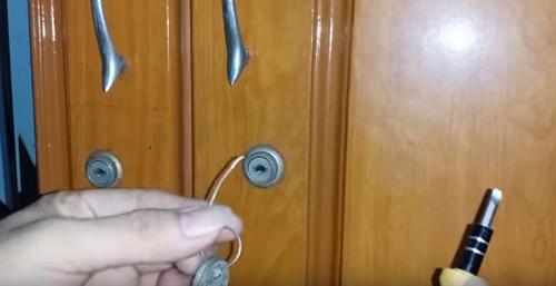 Mở khóa tủ gỗ