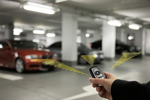 cách sử dụng chìa khóa thông minh ô tô