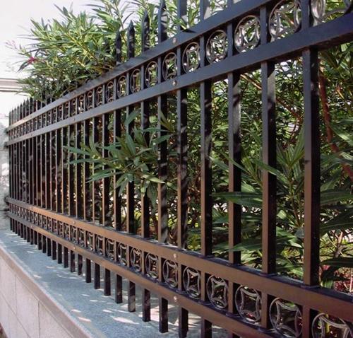 hàng rào thép hộp đẹp