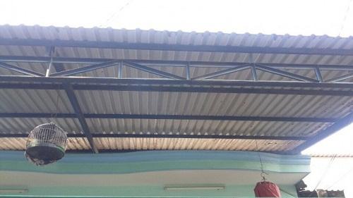 mái hiên nhà bằng tôn
