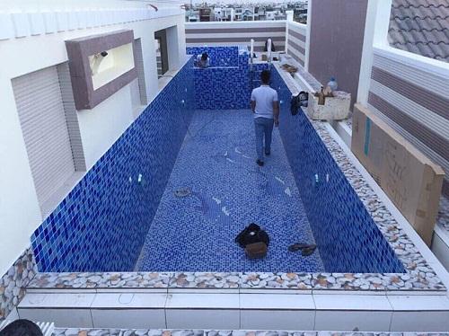 ốp gạch bể bơi